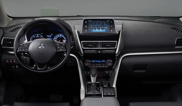 سيارة ميتسوبيشي اكليبس كروس 2018